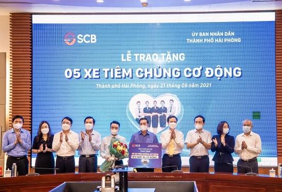 SCB trao tặng thành phố Hải Phòng 5 xe tiêm chủng cơ động