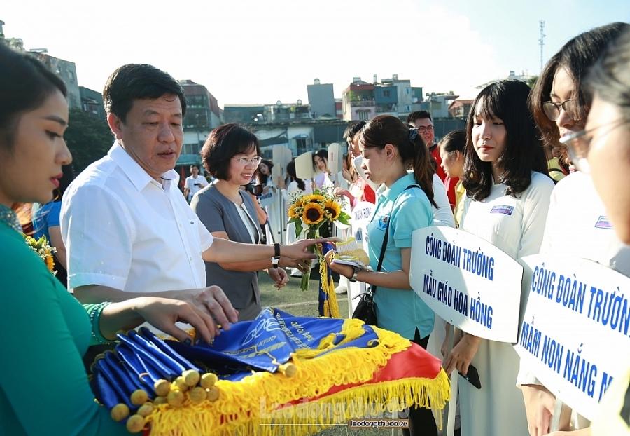 Hơn 1.000 vận động viên tham gia Hội khỏe Công nhân viên chức, lao động quận Hoàn Kiếm