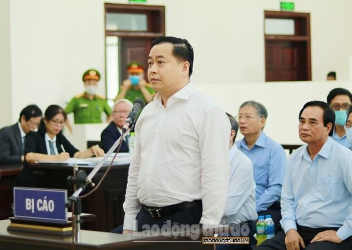 Phan Văn Anh Vũ và nguyên Phó Tổng Cục trưởng Tổng cục Tình báo hầu tòa