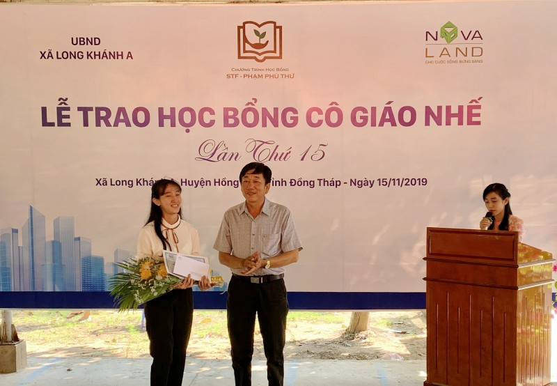 hoc bong co giao nhe hanh trinh 15 nam chap canh uoc mo