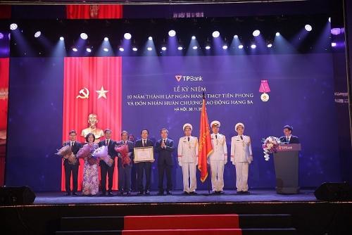 TPBank kỉ niệm 10 năm thành lập và đón nhận Huân chương lao động Hạng Ba