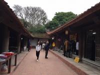 Nô nức đi lễ chùa Đậu đầu Xuân