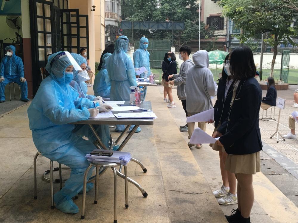 Quận Đống Đa khẩn trương rà soát và lấy mẫu xét nghiệm tất cả những trường hợp đi về từ vùng có dịch