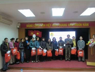 LĐLĐ quận Hoàn Kiếm: Tặng quà CNVCLĐ và con CNVCLĐ