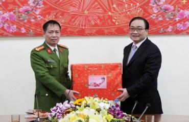 Bí thư Thành ủy Hoàng Trung Hải, thăm chúc tết cán bộ, chiến sĩ Phòng Cảnh sát hình sự