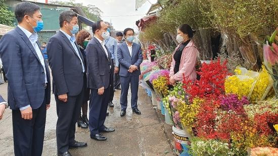 Đồng chí Nguyễn Ngọc Tuấn kiểm tra công tác phòng chống dịch Covid -19 tại quận Tây Hồ và Hoàn Kiếm