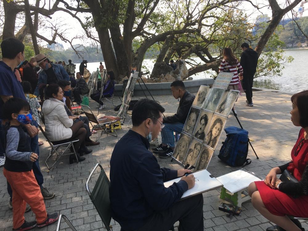 Quận Hoàn Kiếm tạm dừng tổ chức hoạt động các không gian đi bộ từ  30/4