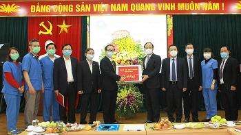 Chủ tịch Hội đồng nhân dân Thành phố thăm, chúc mừng Trung tâm cấp cứu 115 Hà Nội