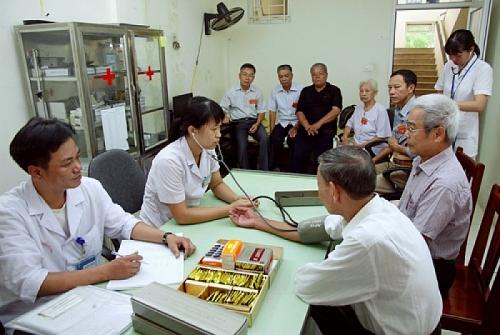 Hà Nội phấn đấu 100% hộ gia đình NCC có mức sống ổn định