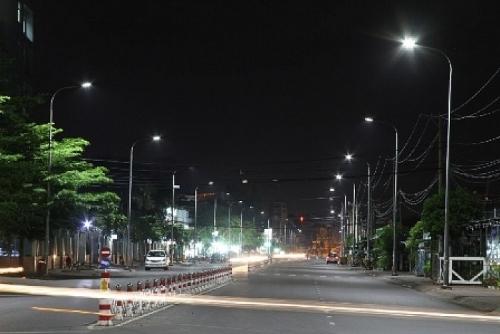 Hà Nội chỉnh trang hệ thống chiếu sáng đồng bộ trên 95 tuyến phố