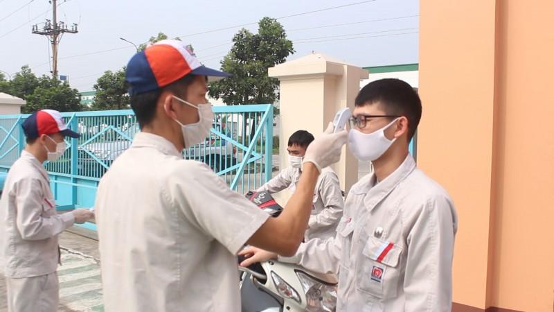 Miễn phí xét nghiệm cho công dân Việt Nam từ vùng dịch về
