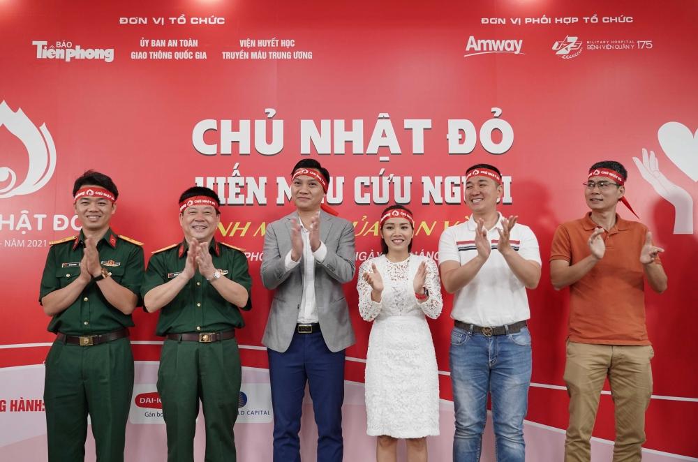 Hơn 500 nhân viên, nhà phân phối và khách hàng của Amway Việt Nam tham gia hiến máu tình nguyện