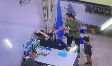 Chủ tịch UBND TP Hà Nội yêu cầu làm rõ vụ việc người nhà bệnh nhân tấn công bác sĩ