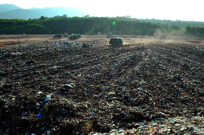 Chủ tịch UBND huyện Sóc Sơn chủ trì thẩm định các dự án di dân vùng ảnh hưởng môi trường khu xử lý chất thải