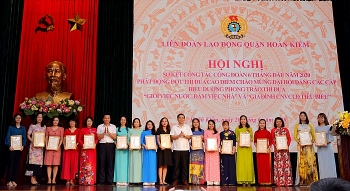 Công nhân, viên chức, lao động quận Hoàn Kiếm thi đua cao điểm tổ chức thành công cuộc bầu cử