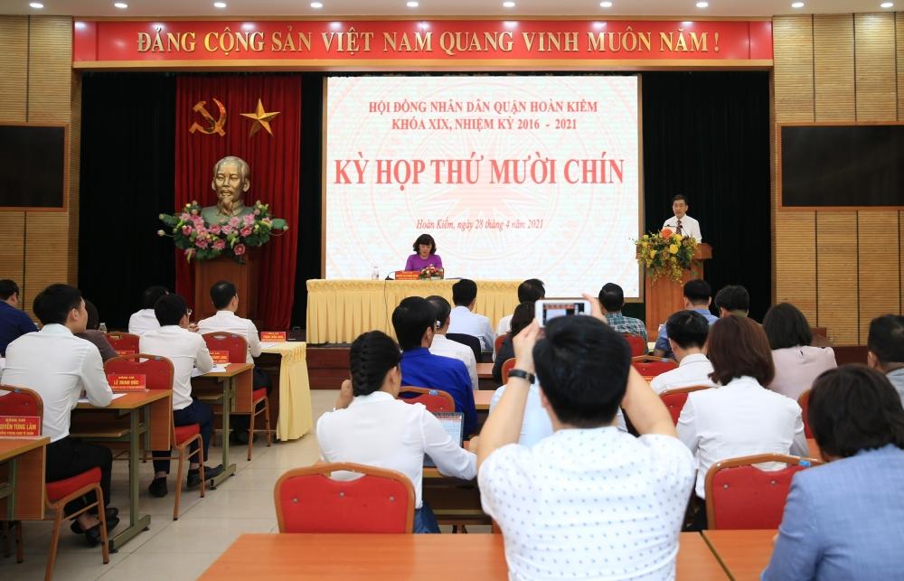 Đồng chí Nguyễn Quốc Hoàn giữ chức Phó Chủ tịch Uỷ ban nhân dân quận Hoàn Kiếm