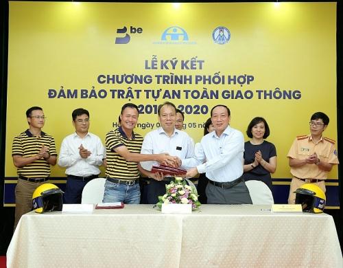 Công ty CP Be Group tặng 10.000 mũ bảo hiểm cho người dân có hoàn cảnh khó khăn