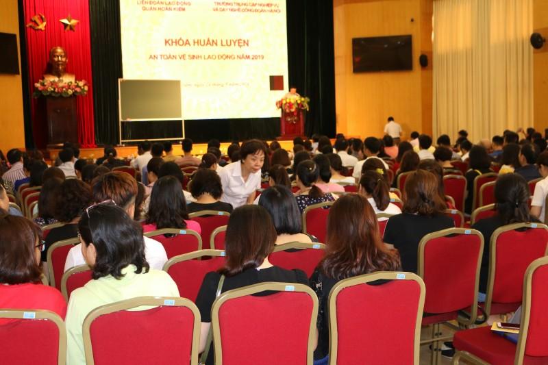 LĐLĐ quận Hoàn Kiếm: 200 đại biểu tham dự khoá huấn luyện công tác An toàn vệ sinh lao động