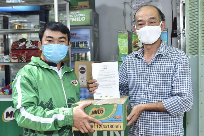 Nestlé hỗ trợ 22.000 cửa hàng nhỏ, quán ăn và căng-tin trường học vượt khó do Covid- 19