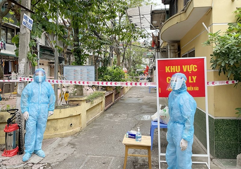 Phong toả tạm thời nơi ở của 2 ca Covid-19 phường Trung Tự  và Thịnh Quang