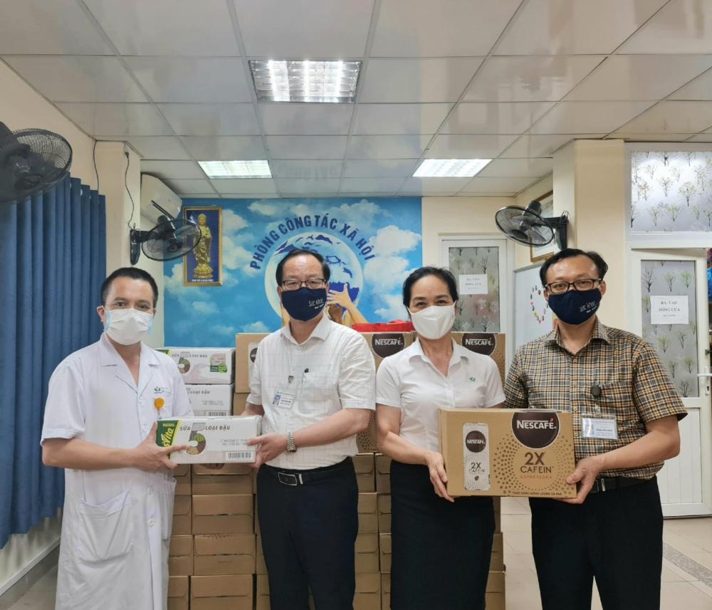 Nestlé Việt Nam hỗ trợ tuyến đầu chống dịch Covid-19