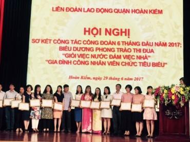 LĐLĐ quận Hoàn Kiếm: Biểu dương 87 gia đình CNVCLĐ tiêu biểu