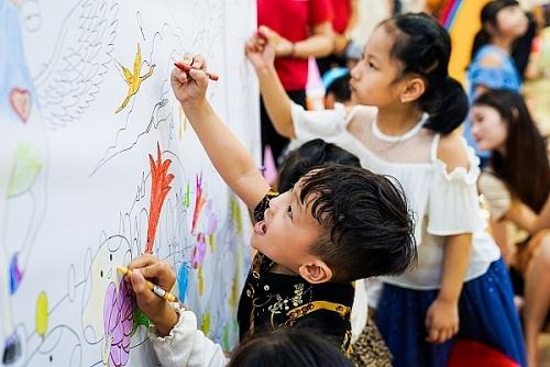 Giúp con của bạn thoả sức vui chơi, khám phá để phát triển toàn diện dịp hè này
