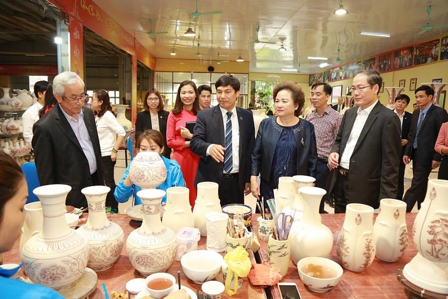 dang uy hapro khang dinh va phat huy vai tro lanh dao chi dao cua to chuc dang trong loai hinh doanh nghiep khong co von cua nha nuoc
