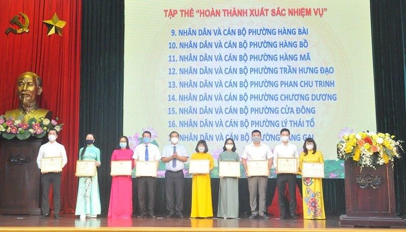 Quận Hoàn Kiếm khen thưởng các tập thể, cá nhân có thành tích xuất sắc trong công tác bầu cử