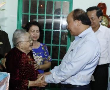 Thủ tướng thăm trung tâm điều dưỡng thương binh và người có công