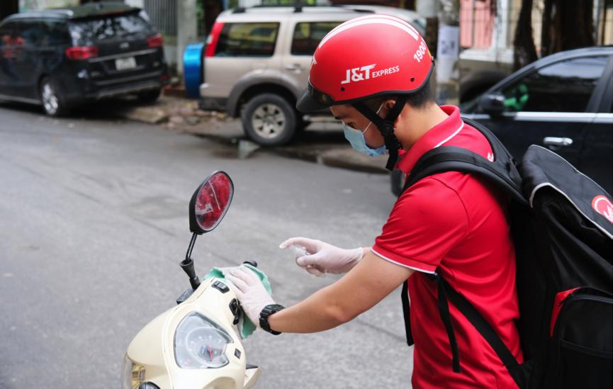 J&T Express đảm bảo hoạt động chuyển phát an toàn trong  mùa dịch