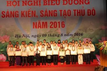 """105 cá nhân được nhận Bằng """"Sáng kiến, sáng tạo Thủ đô"""" năm 2016"""