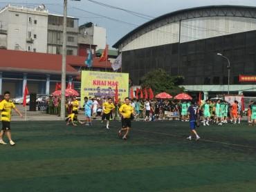 300 VĐV tham gia giải bóng đá mini công an quận Hoàn Kiếm lần thứ III