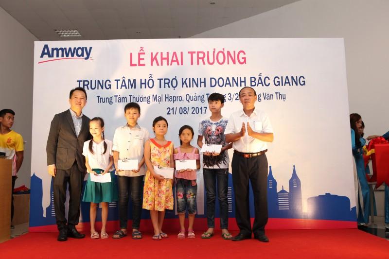 Amway Việt Nam chính thức giới thiệu mô hình trung tâm hỗ trợ kinh doanh