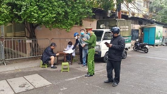 Phòng chống dịch Covid -19: Người không đeo khẩu trang nơi công cộng bị phạt tiền đến 300.000 đồng