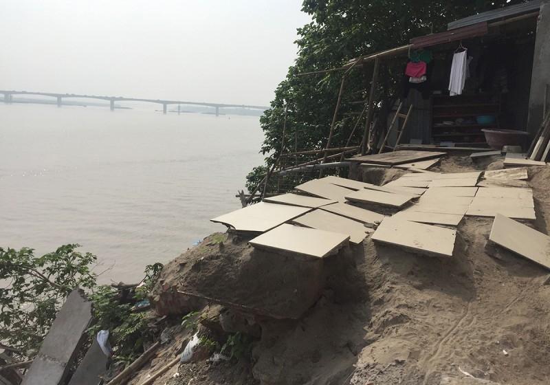 Khẩn cấp khoanh vùng vị trí sạt lở bờ sông trên địa bàn huyện Ba Vì và Thanh Oai