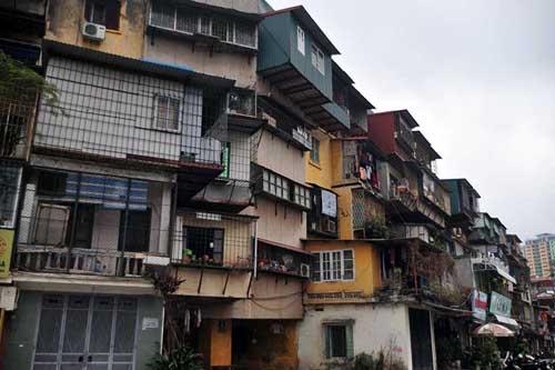 Khẩn trương di dời các hộ gia đình ra khỏi chung cư nguy hiểm cấp độ D, tập thể Bộ Tư pháp, quận Ba Đình