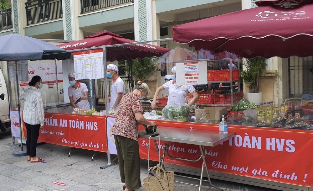Quận Hoàn Kiếm triển khai điểm bán hàng lưu động đầu tiên tại phường Hàng Gai