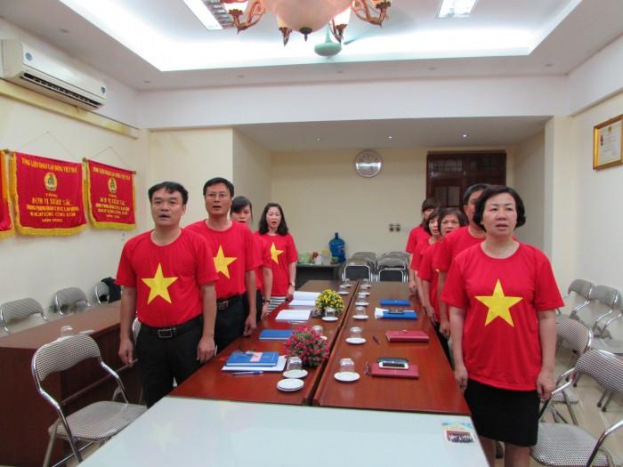 LĐLĐ quận Hoàn Kiếm: Chào cờ, hát Quốc ca sáng thứ 2 hàng tuần
