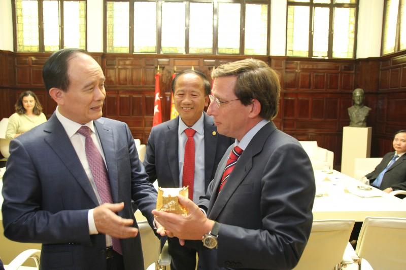 Đoàn đại biểu Thủ đô Hà Nội thăm và làm việc tại Tây Ban Nha, Thụy Sỹ