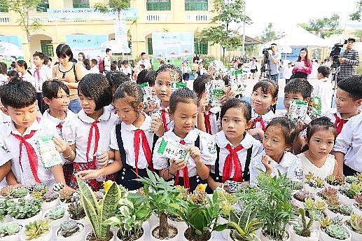 Hàng ngàn cây xanh đã đến với nhiều trường học thông qua