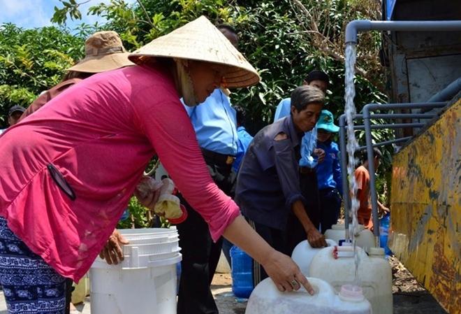 Giảm giá 100% nước sinh hoạt cho hộ nghèo, hộ cận nghèo