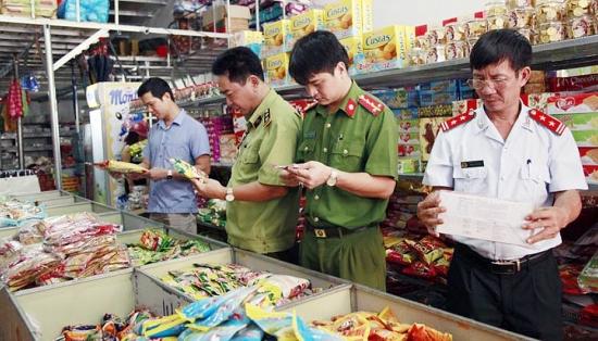 Hà Nội thanh kiểm tra hơn 64.000 cơ sở sản xuất kinh doanh về an toàn thực phẩm