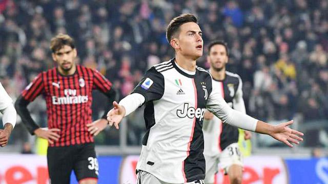 Juventus (áo sọc đen trắng) sẽ tìm được chiến thắng đầu tiên tại Serie A 2021/22?