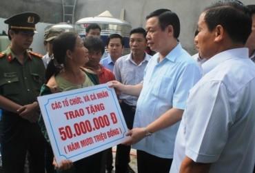 Phó Thủ tướng Vương Đình Huệ tiếp xúc cử tri tỉnh Hà Tĩnh