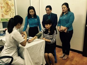 Tổ chức khám sức khoẻ miễn phí cho hơn 600 nữ CNVCLĐ