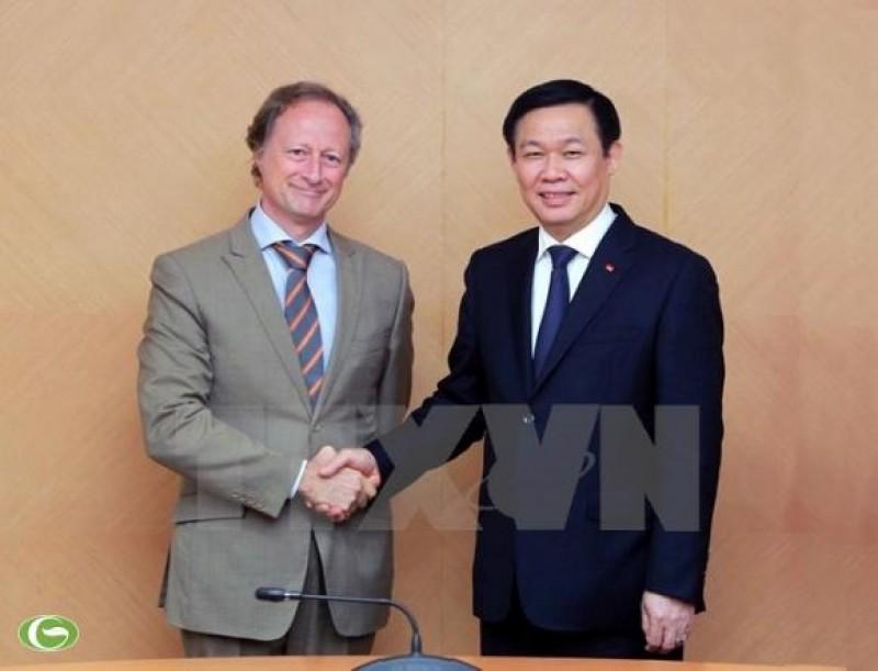 Phó Thủ tướng Vương Đình Huệ tiếp Đại sứ, Trưởng phái đoàn của Liên minh châu Âu tại Việt Nam