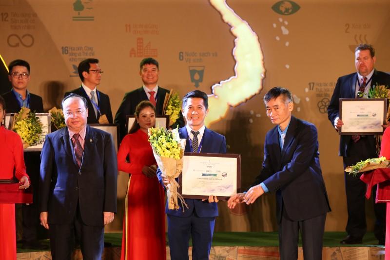 Amway Việt Nam lần thứ tư liên tiếp có mặt trong bảng xếp hạng top 100 doanh nghiệp phát triển bền vững
