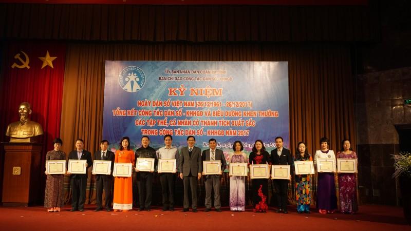 Quận Ba Đình tổng kết công tác dân số - KHHGĐ năm 2017