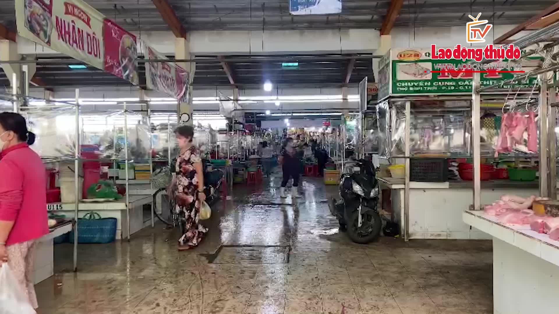 Chợ truyền thống ở thành phố Hồ Chí Minh vắng khách sau dịch
